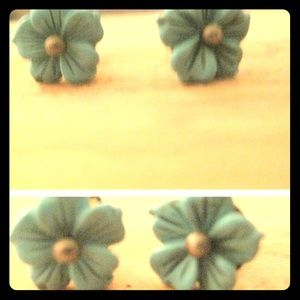 Tourqoise and silver blossom studs